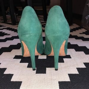Alice + Olivia Shoes - Alice and Olivia Green Suede Pumps